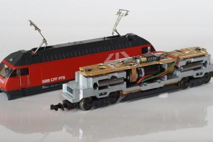 RE 460 von MiniTrix, Gehäuse abgenommen
