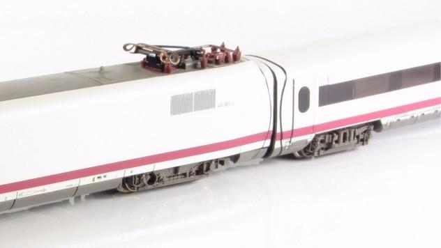 Kurzkupplung wie bei Vorbild! Ergebnis der speziell entwickelten Kupplungsmechanik für BR 410