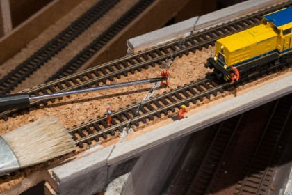 Gleisreparatur in Spur N Peco Code55, geklebt