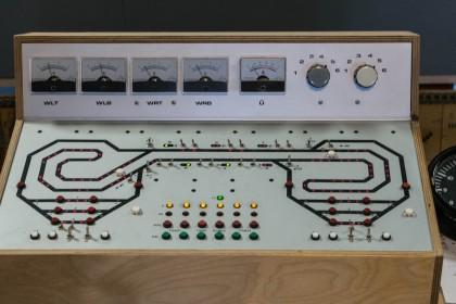 Analoge, automatische Blocksteuerung einer Hauptstrecke im LOK LAND