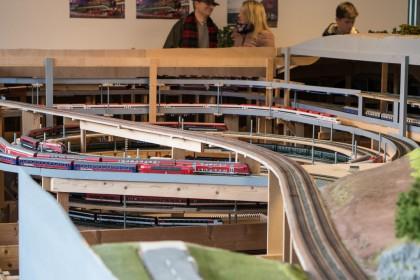 2. Gleiswendel mit Schattenbahnhöfen im Hintergrund